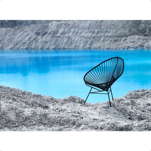 OK Design - Acapulco chair I de skandinaviske og europæiske hjem bliver den farverige plasticflettede Acapulco stol benyttet lige så meget indendørs som udendørs.