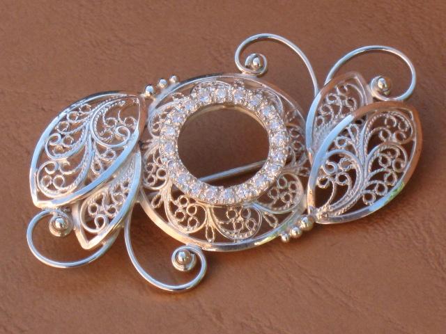 Silver Brooch  Broche de plata + circonitas