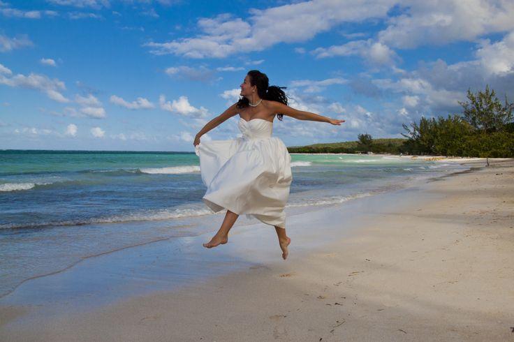 Beach wedding photos in Jamaica | Bucket List Publications
