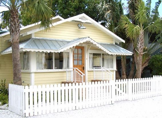 Historic Gulf Coast Cottage - Taste of Old Florida