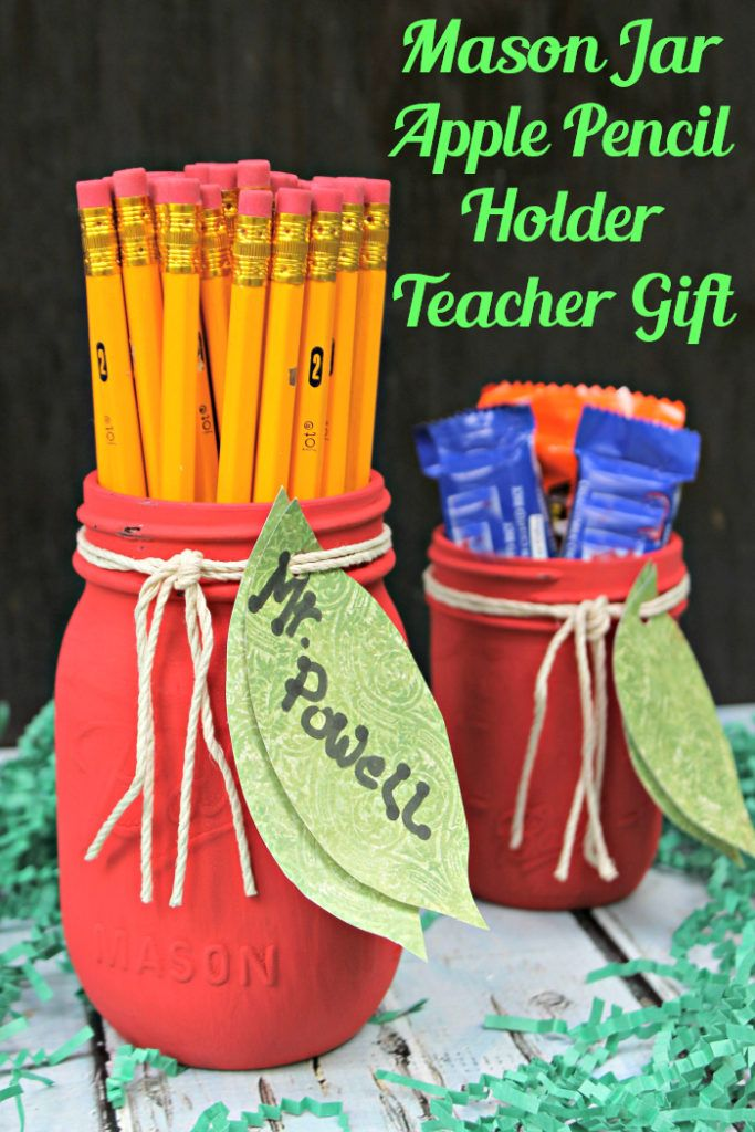 When the kids start school, I like to give their teacher a welcome basket. This year, we filled it with supplies for the classroom and this adorable Mason Jar Apple Pencil Holder Teacher GiftCraft. #ad #MomentsShineWithWindex