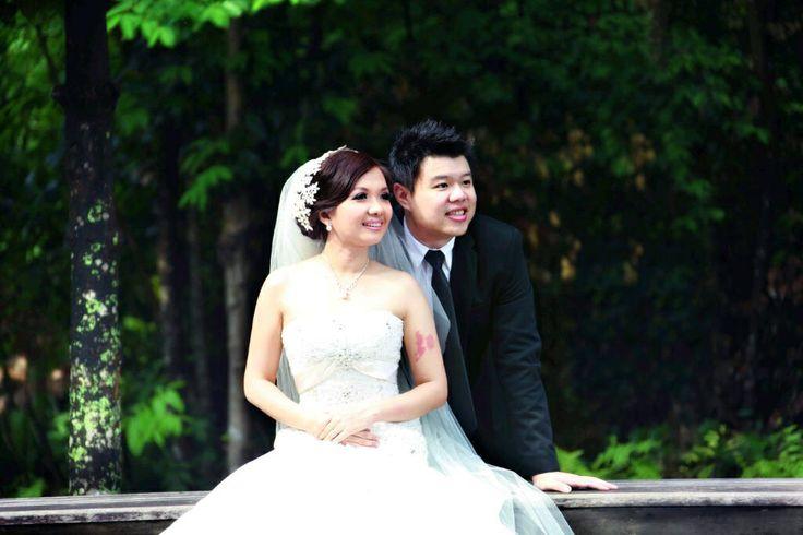 Oscar Daniel wedding dress