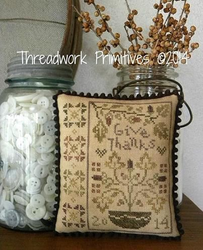 Give Thanks Pinkeep http://threadworkprimitives.blogspot.com/2014/10/new-patterns-for-fall.html