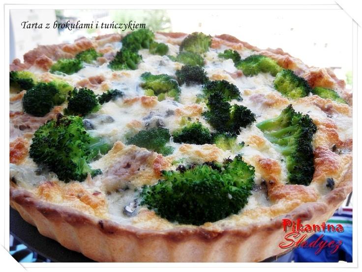 Tarta z brokułami i tuńczykiem http://pikantnaslodycz.blogspot.com/2013/05/tarta-z-brokuami-i-tunczykiem.html