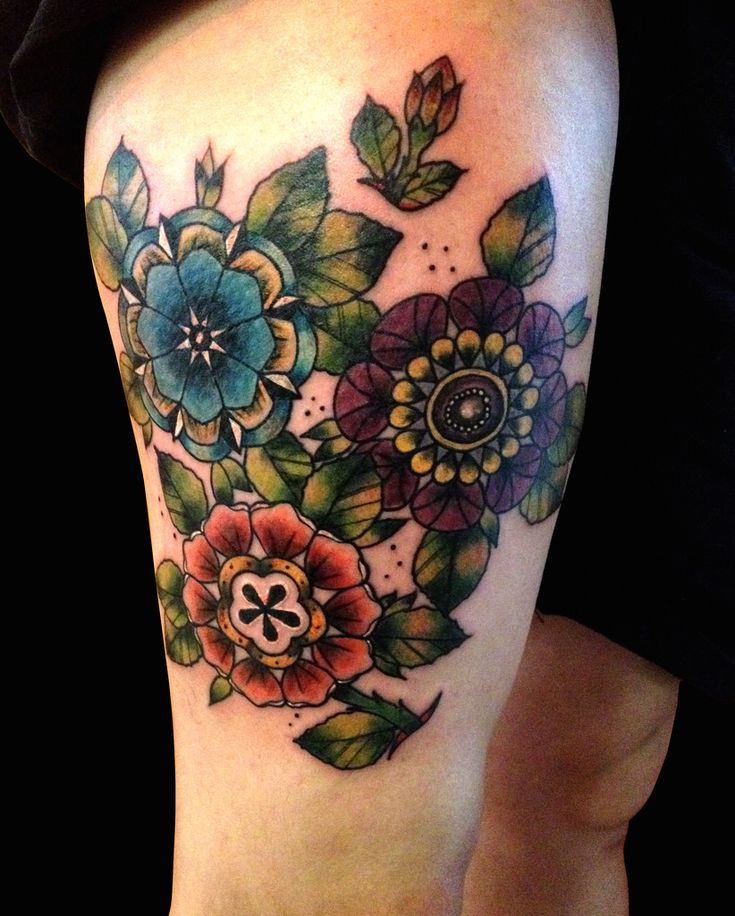 your-body-is-a-canvas:  Neo Traditional Flowers by Ollie T2 (by kaleidoscope.tattoo)