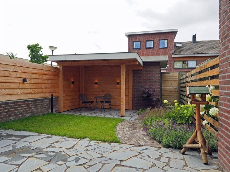 25 beste idee n over houten schuttingen op pinterest achtertuin hekken hekwerk en - Aangelegde tuin ideeen ...