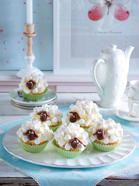 Wir backen süße Schäfchen-Muffins - hier geht's zum Rezept!