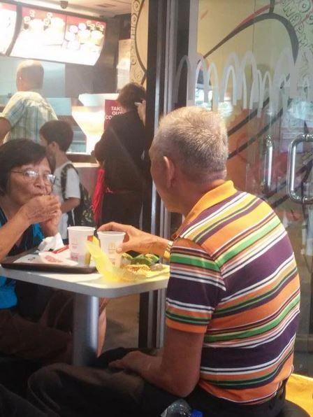 http://www.demotivateur.fr/article-buzz/20-couples-de-personnes-agees-qui-nous-prouvent-que-l-amour-peut-vraiment-durer-3232