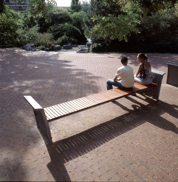 Bench for Zoetermeer. Design by ipv Delft