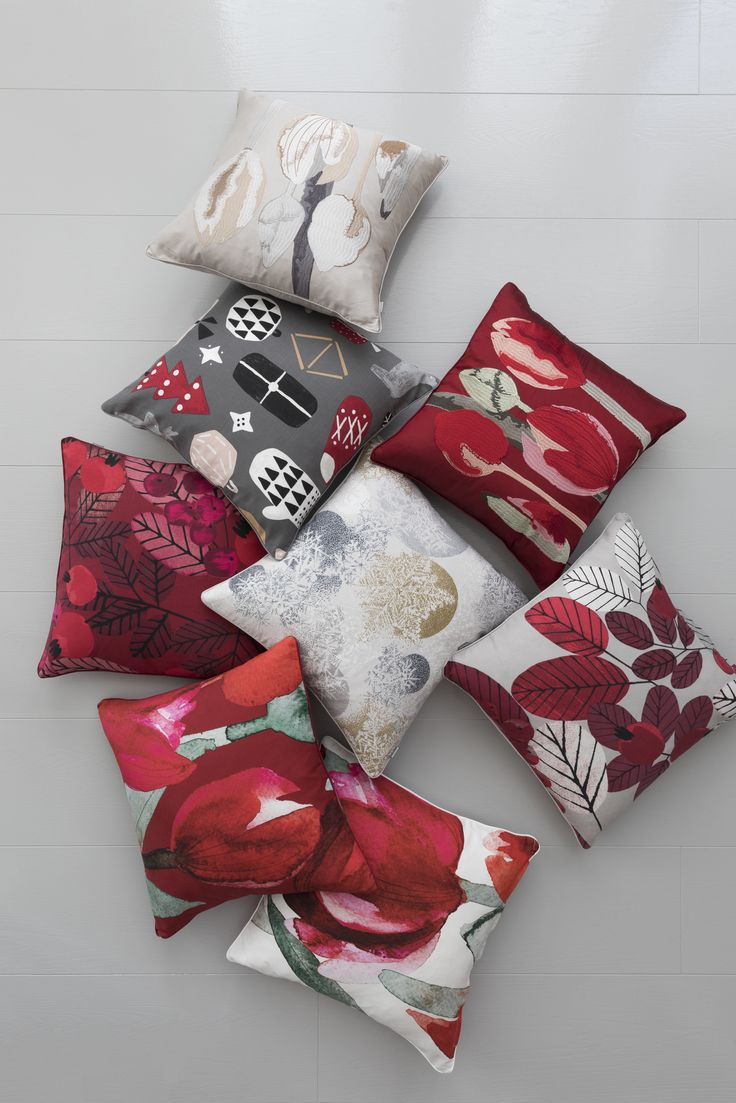 Tulppaani Cushion Cover | Pentik Christmas 2017 | Designed by Lasse Kovanen, Tulppaani (Tulip) impresses with its big flowers that convert any space into splendid. Tulppaani pattern is designed both for modern and traditional environments.
