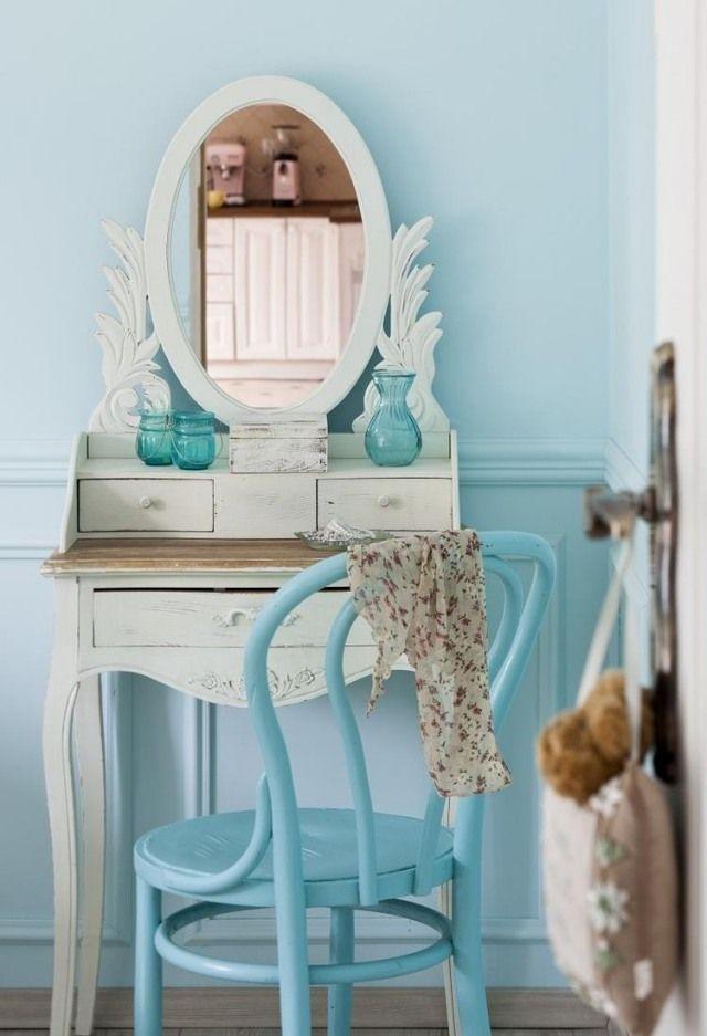 wandfarbe schlafzimmer hellblau jugendzimmer mädchen schminktisch