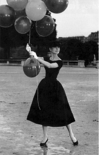 Paris with a big bouquet of balloons and Audrey of course