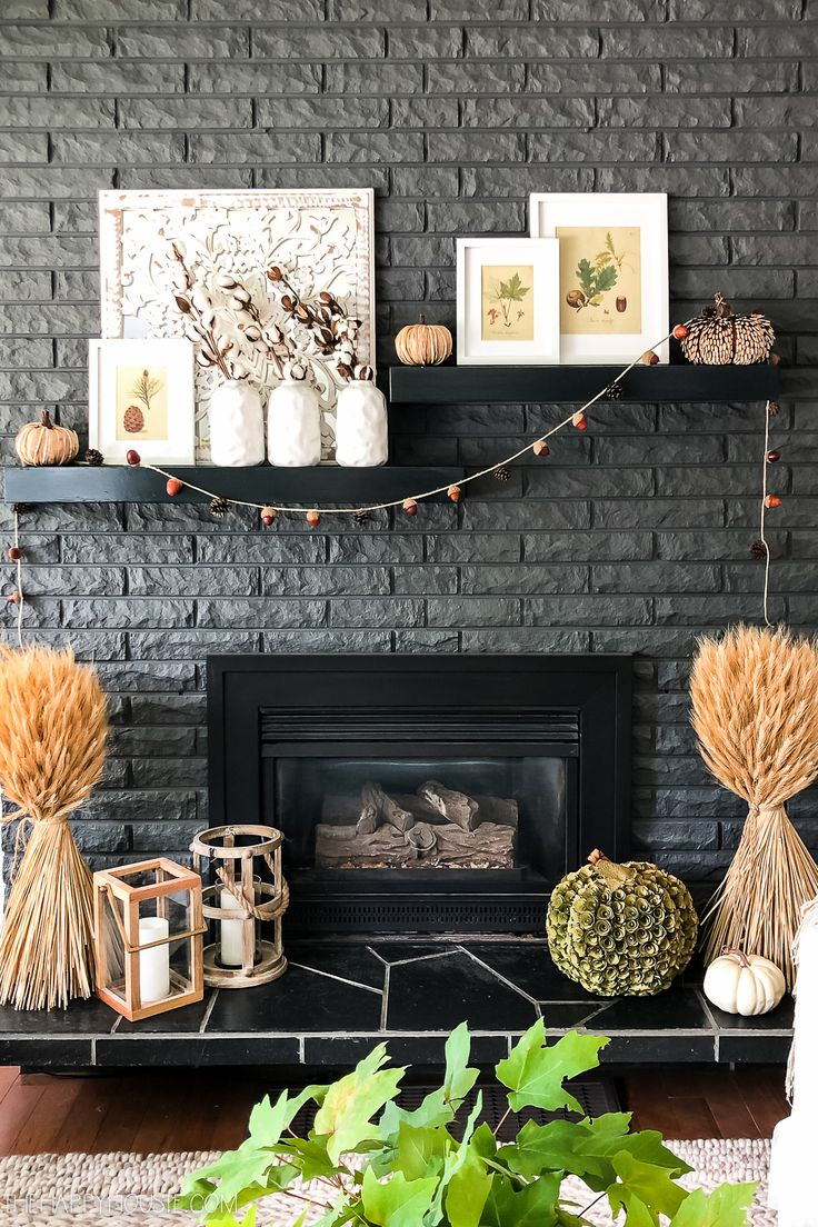 34 Popular Mantel Decorating Ideas To Get Comfortable Living Room - Mantel decorating ideas that compliment the fireplace might very well be the focal point of your room. If you have a fireplace, the mantel will be a d. Blue Home Decor, Fall Home Decor, Autumn Home, How To Make Christmas Tree, Cone Christmas Trees, Grey Fireplace, Fireplace Mantels, Fall Mantels, Fireplace Ideas