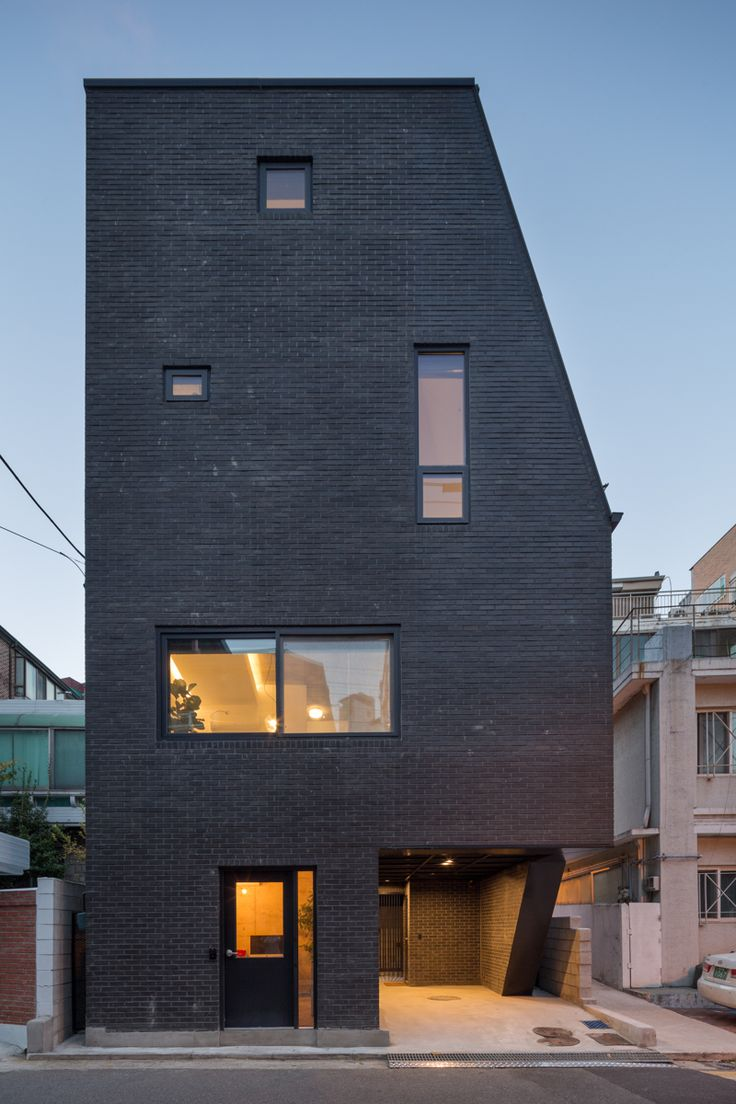 Image 1 of 30 from gallery of The First House in Hyochangdong / B.U.S Architecture. Photograph by Kyung Roh
