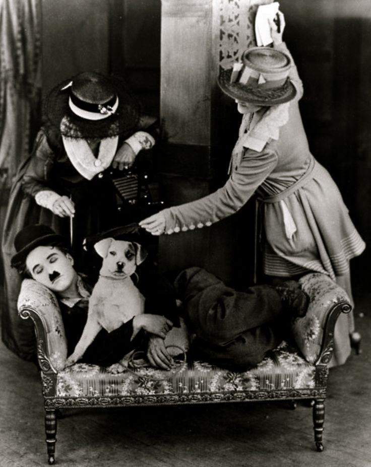 Charlie Chaplin in 'A Dog's Life', ca.1918. ☚
