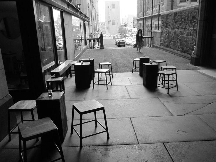 Melbourne Laneway Cafe - feels Parisian