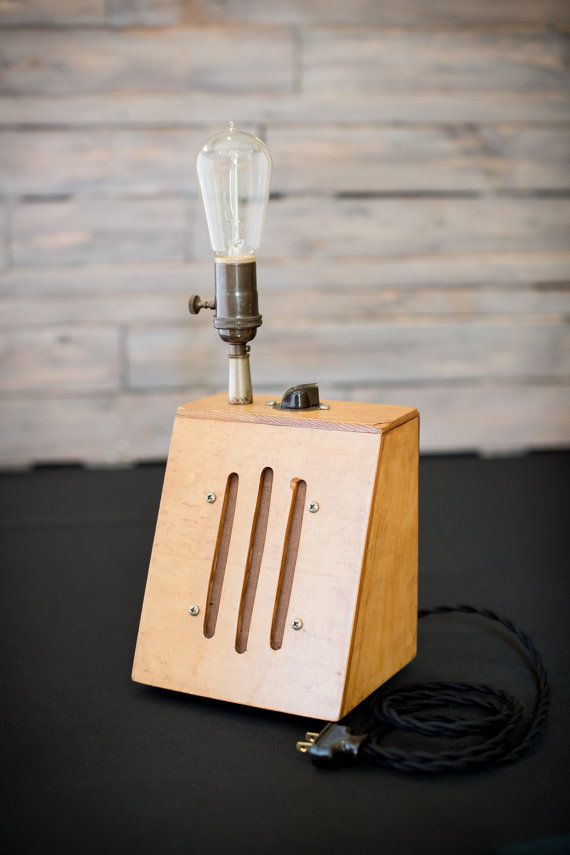 Haut-parleur en bois Accent lampe par PutASocketInIt sur Etsy