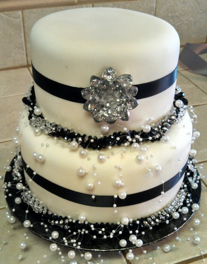 black silver and white wedding cakes black silver amp white wedding cake for my 11877