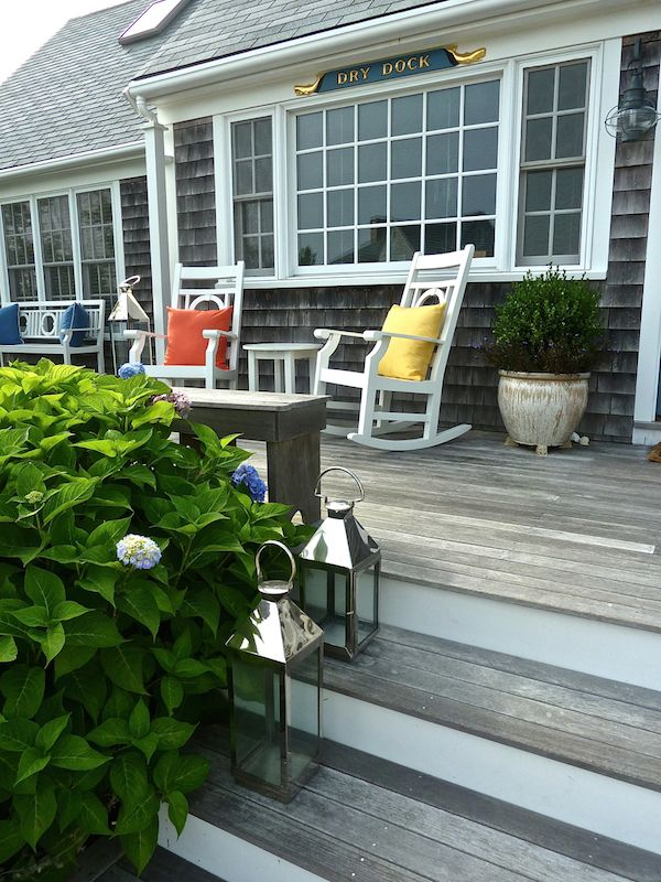 Picture perfect porch.Nantucket, MA. One of my favorite places.