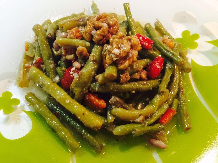 Oya's Cuisine - Cevizli Börülce Salatası