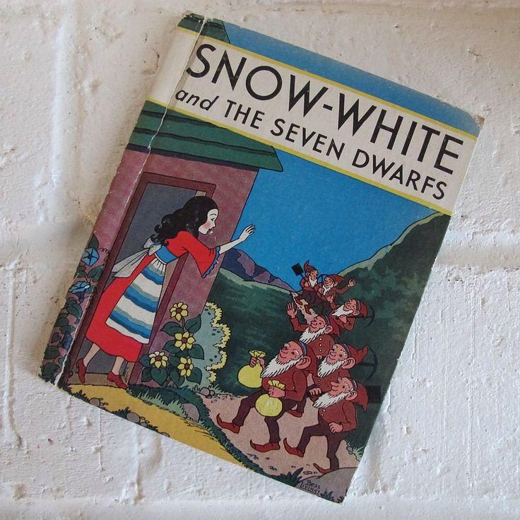 Vintage Snow White and the Seven Dwarfs Book - Rand McNally - 1938 by MyPlaidLunchbox on Etsy https://www.etsy.com/listing/562056182/vintage-snow-white-and-the-seven-dwarfs