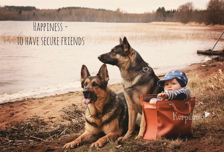 Secure Friends http://www.korpilumo.com/