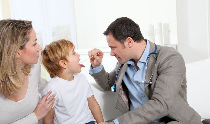 Οι SOS Παιδίατροι εφημερεύουν όλο το 24ωρο σε Αθήνα και Θεσσαλονίκη και αντιμετωπίζουν κάθε πρόβλημα υγείας στο χώρο του ασθενούς. Βρίσκονται στο πλευρό σας αμέσως, εξετάζουν παιδιά και βρέφη, λαμβάνουν ιατρικό ιστορικό, προτείνουν κατάλληλη φαρμακευτική αγωγή. Διαθέτουν όλο τον απαραίτητο εξοπλισμό για να πραγματοποιήσουν ιατρικές πράξεις κατ' οίκον. Καλέστε 1016 και κλείστε ραντεβού.