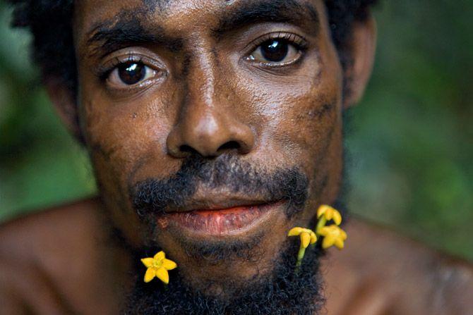 Nomadic people in New Guinea