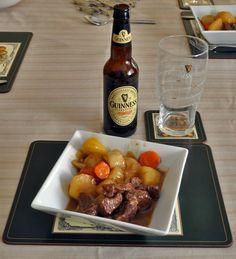 Se acerca una de las fechas más importantes para todo irlandés, el día de San Patricio, y en Cocinillas empezamos a celebrarlo enseñándoos las recetas típicas de la cocina irlandesa, que como no, se hacen con uno de los alimentos más típicos del país: la cerveza Guinness. Yo soy hijo de irlandesa y español, y …