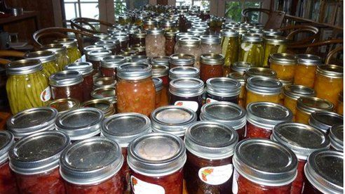 Links to Canning all sorts of things: Easy Tomato Canning Recipe : TreeHugger