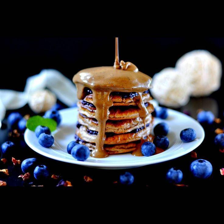 38/42 #myprotein Pancakes with Blueberries & PB2 Peanutbutter (200 cals)  #eeeeeats #foodandwine #eatclean #foodinspiration #foods4thought #wholefoods #instafood #lowcarb #lowfat #gloobyfood #huffposttaste #hautecuisines #bestofvegan #foodieforlife #foodart #foodphotography #cleaneating #bbg #dietjourney #swk2016 #swk #frühstück #mitgemacht #dukan #protein #hcgdiät #glutenfreelife #pancakes by hcg.only