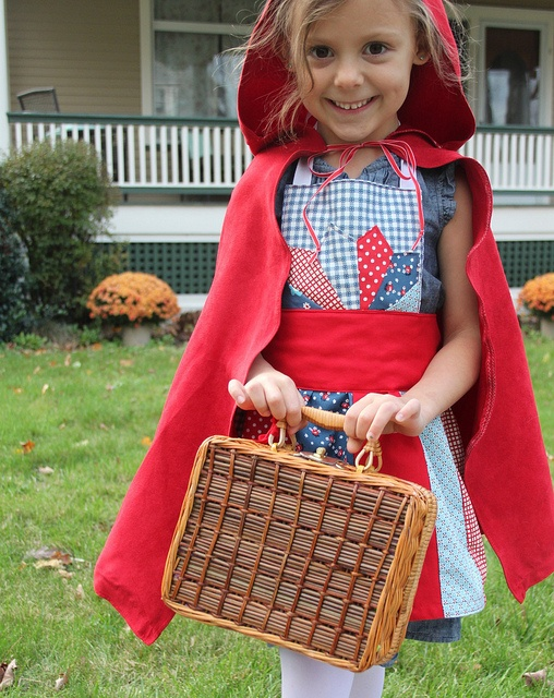 Little Red Riding Hood costume DIY..need to find bre's costume grandma made her