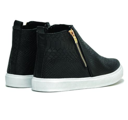 Mποτάκια με λευκή σόλα για ξεχωριστές εμφανίσεις! No: 36-41, Φόρμα:Κανονική, Χρώματα: Μαύρο-Μπλέ #boot #sneaker #urbanstyle #excelshoes