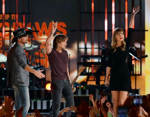 Taylor Swift and Tim McGraw Photos - Inside the CMA Awards Afterparty - Zimbio