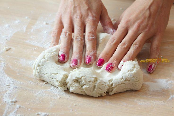 Ricetta Pasta Brisè Leggera con Farina di Riso, Senza Burro, Glutine e Nichel,Antipasto, Snack,Senza Glutine
