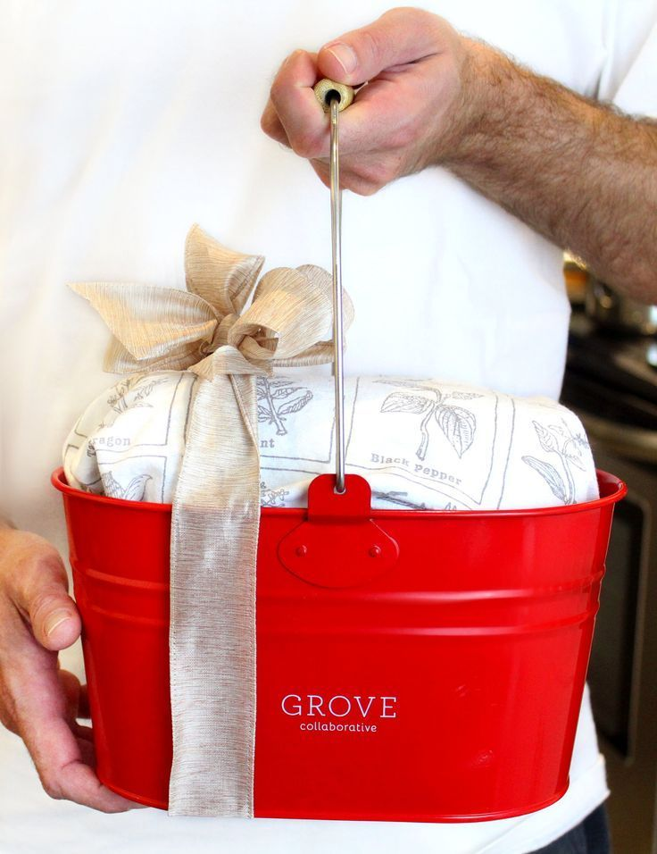 Easy Ways to Wrap Gifts (And Holiday Gift Ideas They\u0027ll Love