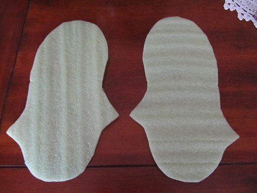 Template for felted slippers and very good tutorial.