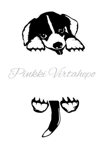 Hauska koiratarra valokatkaisijaan esim. makuuhuoneeseen tai eteiseen. Laadukkaasta muovista valmistettu sisustustarra, joka on helppo kiinnittää ja tarvittaessa irrottaa.   Koko: korkeus n. 22cm, leveys n. 11cm. Lopullinen koko riippuu asettelusta.  Materiaali: muovi  Väri: musta