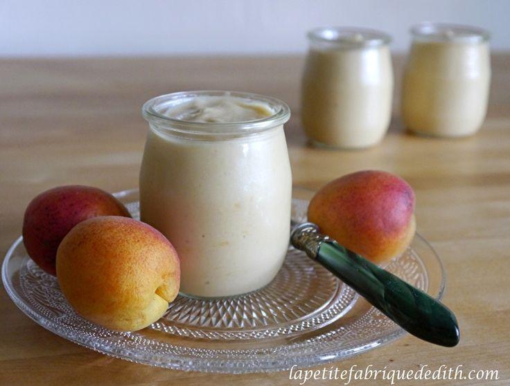 Enfin de bons yaourts végétaux avec la texture etl'onctuosité des préparations laitières! Pour 5 pots de yaourts : 400 ml de lait d'amande maison 250 g de compote de fruits de saison 2 g d'agar ...