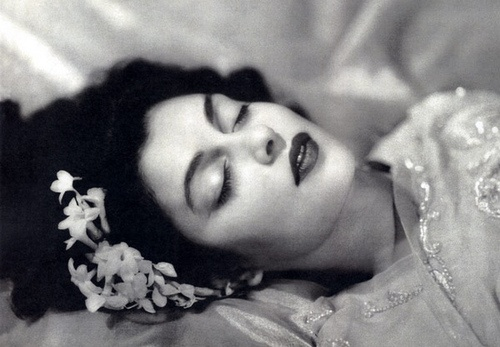 Maharani Gayatri Devi not from Bollywood, but the most beautiful personality of vintage India...