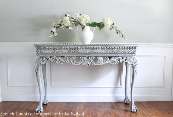 The First Impression Guests See Of Your Home Will Be The Entryway Furniture And Decor Which Is Why This Chippendale Style Console T In 2020 Foyer Table Decor Clawfoot