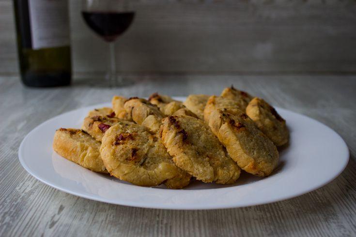 Изысканное, пикантное сырное печенье! Соблазнительно ароматное и необычайно вкусное! Секретные ингредиенты и пошаговый фоторецепт - в блоге pteat.ru Заходи!