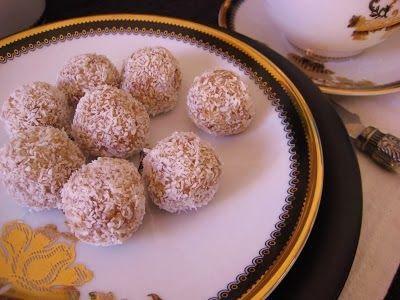 Kleurrijk Eten: Marokkaanse dadel kokos truffels