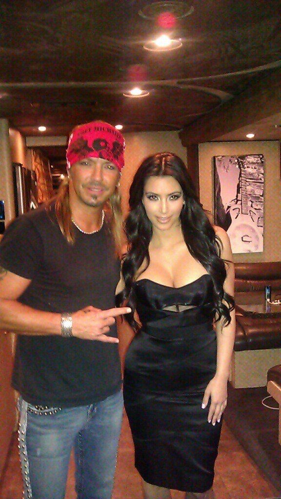 Check out today's BretMichaels.com Photo Of The Day: Bret and #KimKardashian on Bret's tour bus during a #charity event in #Florida. - Team Bret #GivingTuesday Kim Kardashian West #ShareThis #TagTwoFriends #LifeRocks  http://bretmichaels.com/site-news/#news2/bretmichaels-com-photo-of-the-day-team-bret-kimkardashian-rewteet-charityrocks/