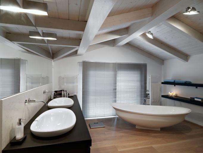 ložnice v podkroví s trámy - Hledat Googlem