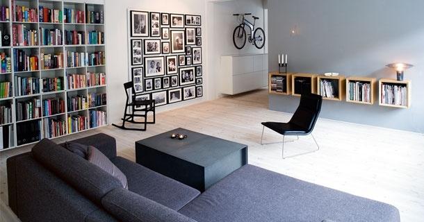Fine bogkasser... Stor billedvæg... Bogreol... Entreskabe fra IKEA...