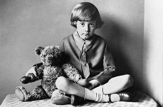 Cineast: Странное но настоящее. Настоящий Кристофер Робин в детстве ненавидел Винни-Пуха