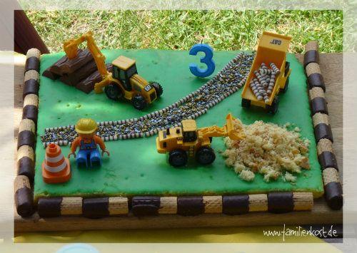 Baustellenkuchen als Kindergeburtstagskuchen für die Mottoparty Baustelle mit…