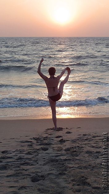 Scaravelli Inspired Yoga with Catherine Annis .... #scaravelliyoga #londonyoga #yogauk #yoga #yogauk #scaravelliinspiredyoga #yogagirl #yogini #yogalife #scaravelliretreat #beachyoga