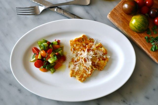 Fried ricotta with a little tomato salad
